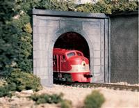 HO Single-Track Concrete Tunnel Portal -- Unpainted