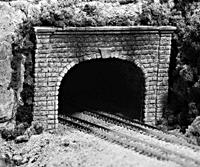 N Double Track Tunnel Portals pkg(2; Unpainted Hyrdrocal(R) Castings) -- Cut Stone